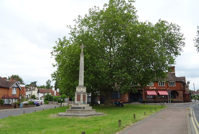 War Memorial, Loughton