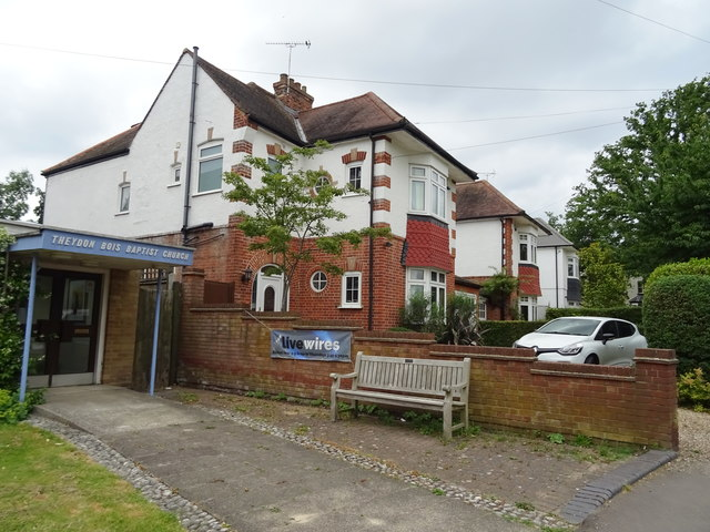 Houses on The Green, Theydon Bois