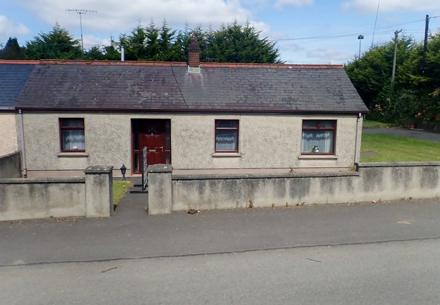 Semi-detached cottage on the R132 (Old Newry Road) at Mount Pleasant