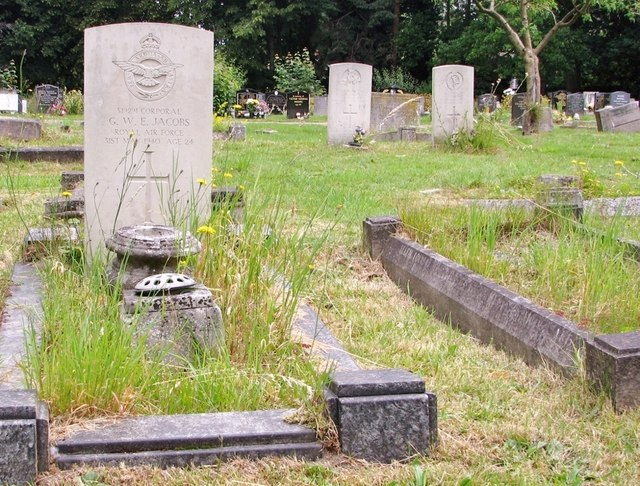 CWGC graves in Section P