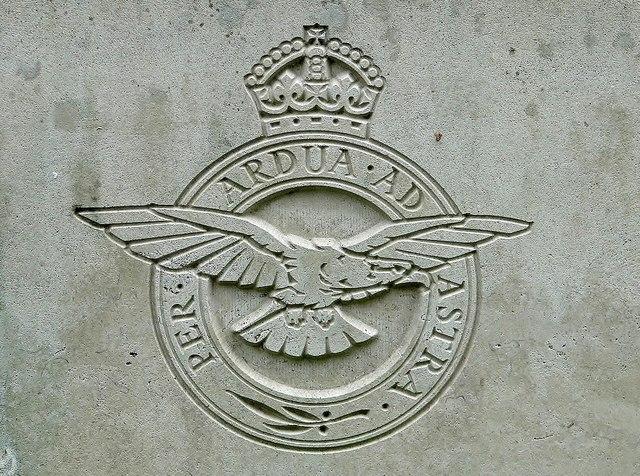 CWGC war grave - regimental badge