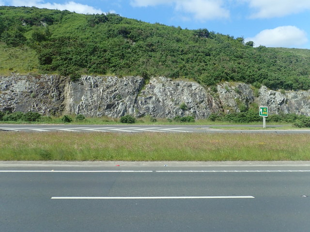 Exposed igneous rocks in the A1 cutting at Cloghoge Mountain