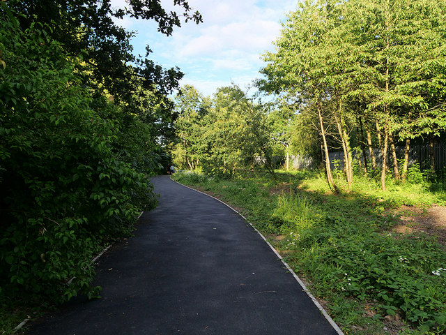 Path into Sankey Valley Park