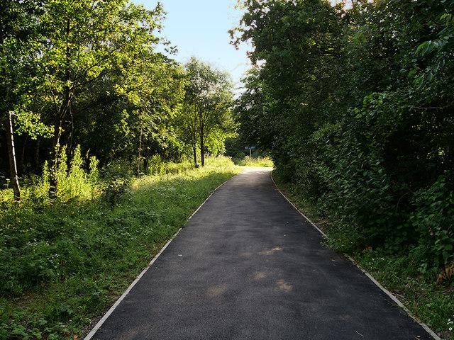 Path alongside the Railway, Sankey Valley Park