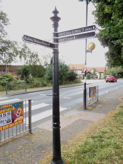 Signpost at Diss Park