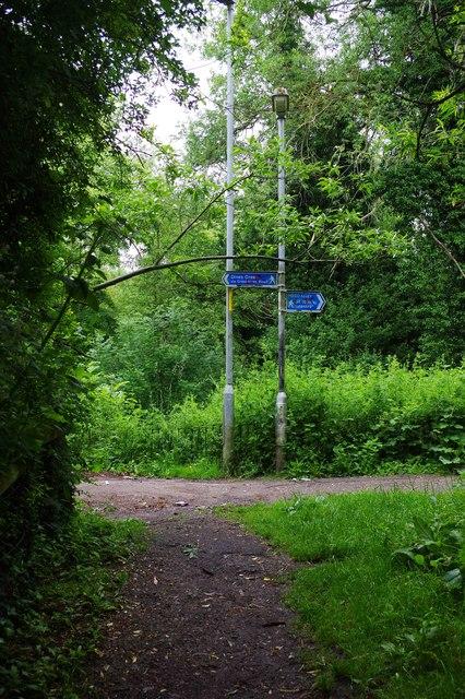 Junction of public footpaths, St. John's, Worcester