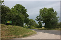 SU3163 : The entrance to Newtown Farm, Shalbourne by David Howard