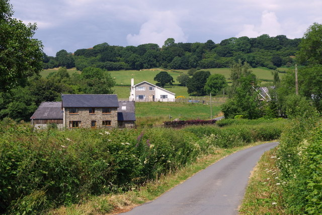 Start of the lane to The Cwm