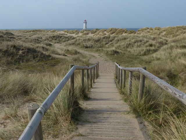 Boardwalk and path to the Point of Ayr Lighthouse