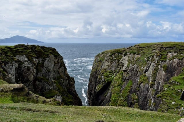 Looking over the edge along the Atlantic Way