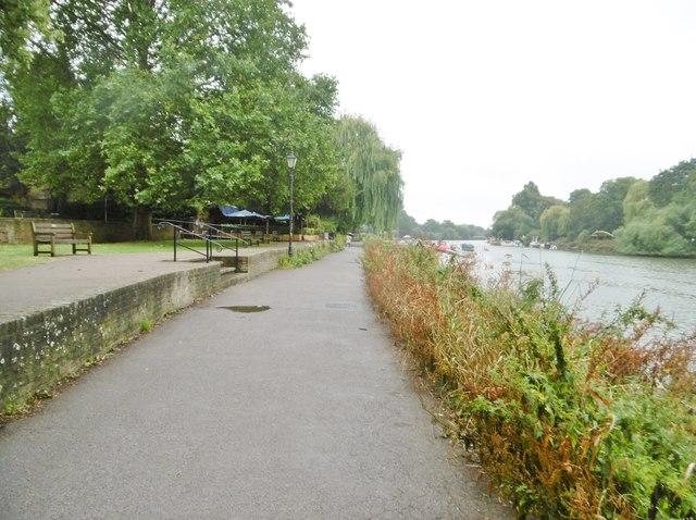 Richmond, riverside path
