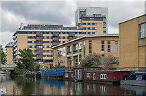 TQ3283 : Regent's Canal by Ian Capper