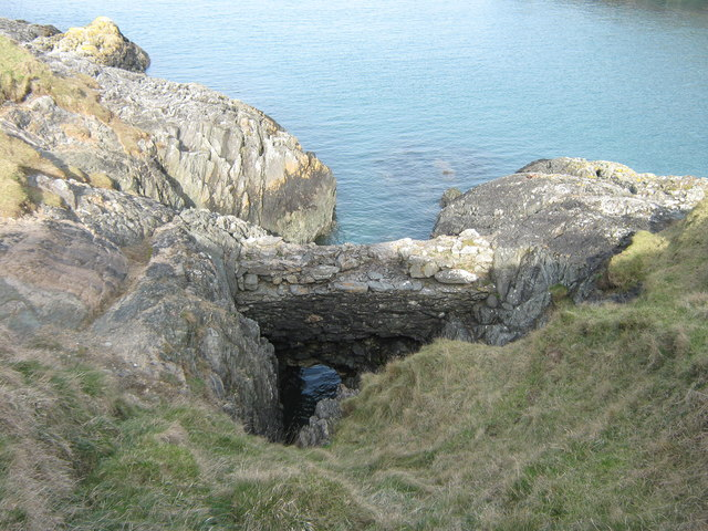 A curious structure at Porth Ferin
