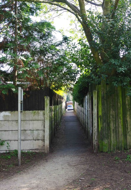 Alley to Birchfield Road, Kidderminster, Worcs