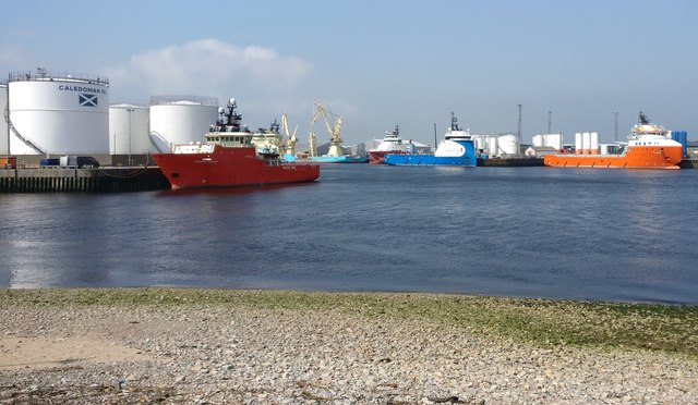 River Dee and Aberdeen Harbour