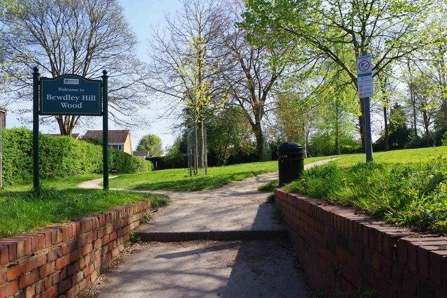 Entrance from Bewdley Hill to Bewdley Hill Wood, Kidderminster, Worcs