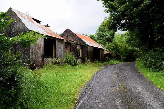 Ruined farm buildings , Carrickmacall