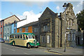 SH7400 : Vintage Bus in Machynlleth by Des Blenkinsopp