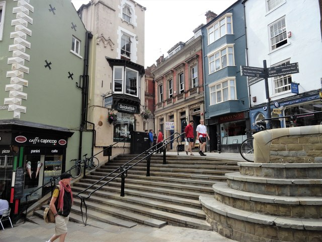 The steps at the top of Elvet Bridge