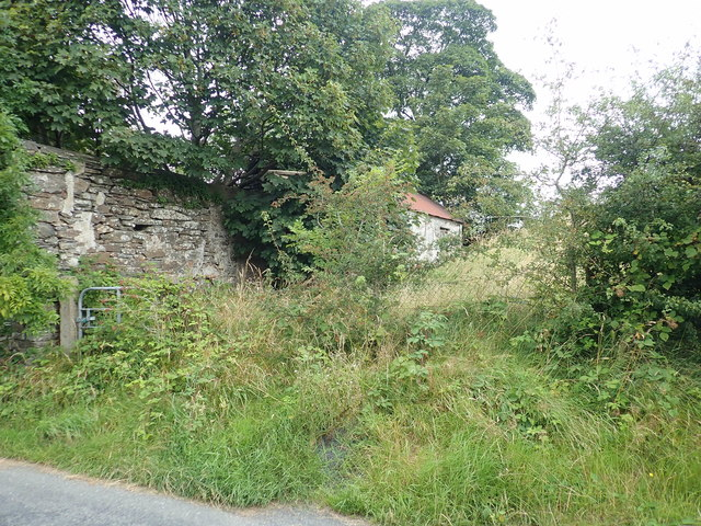 Ruined homestead at the junction of Cullyhanna Road and Skerriff Road