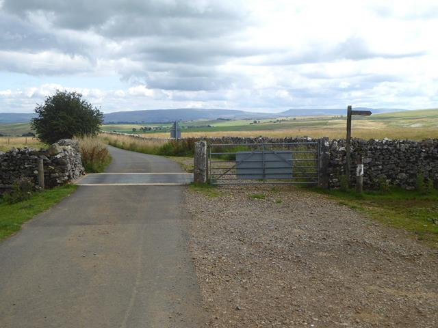 Cattle grid at Linglow Hill