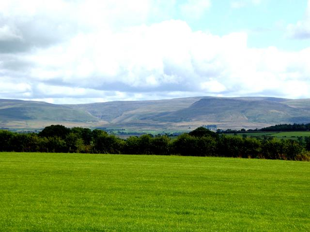 View north-east from near High Plains Farm