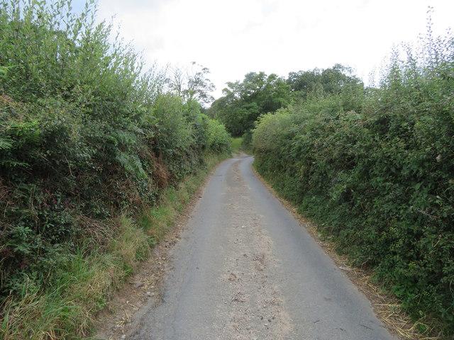 Tir-y-Fron Lane below Waun y Llyn Country Park