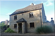 TL0798 : Cottage on Elton Road, Wansford by David Howard