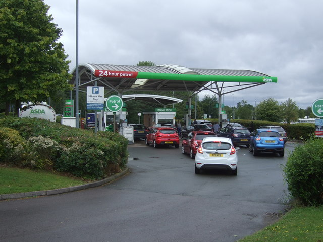 Queuing for petrol (not me)
