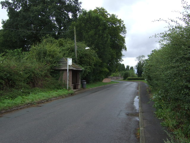 Bus stop and shelter on Lilyhurst Road