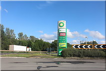 TL1395 : BP sign on the A1, Chesterton by David Howard