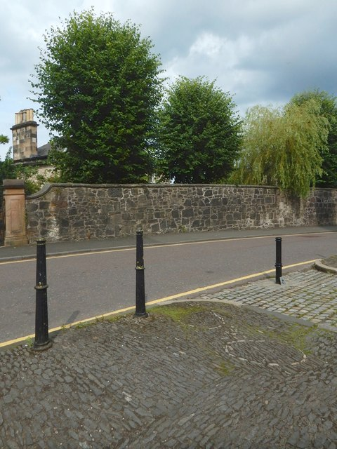 Oakshaw Trinity Church: spectacles in the cobbles