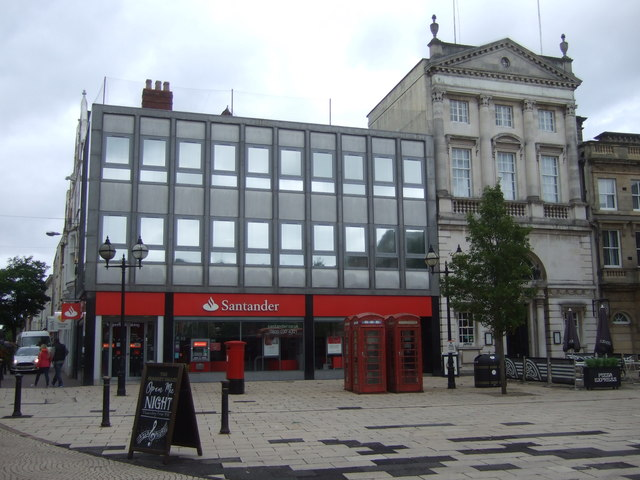 Santander Bank Pizza Express On Market Jthomas