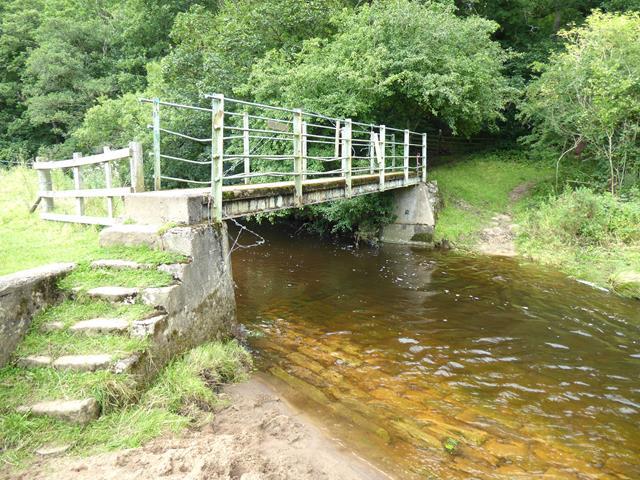 Footbridge on Ridingmill Burn