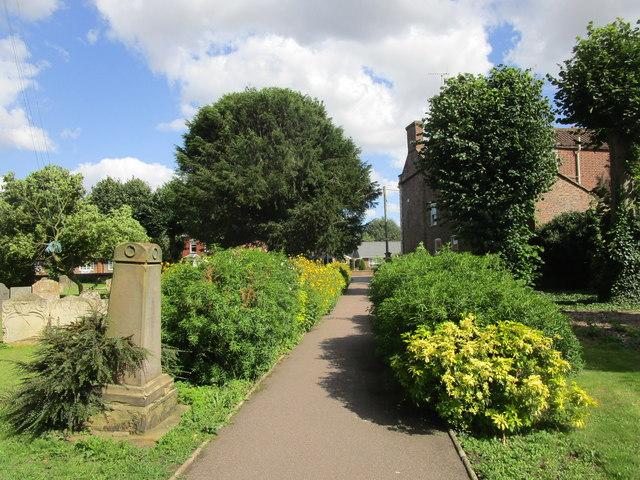 Churchyard path, Donington