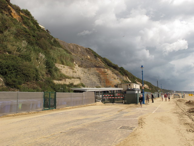 Repairs in progress after fall of Bournemouth East Cliff