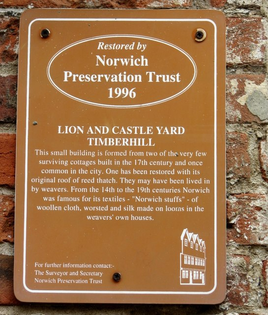 17th century cottages in Lion and Castle Yard (information)