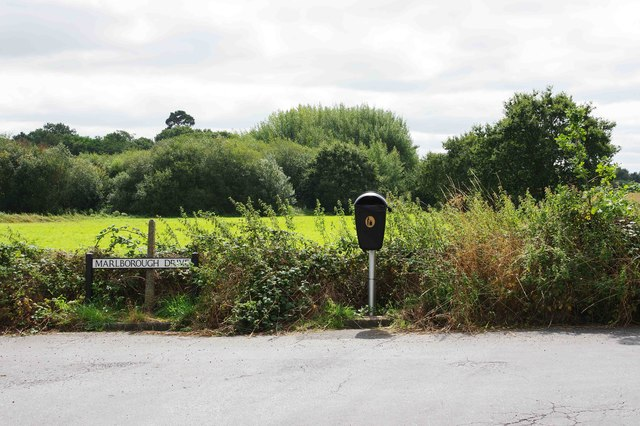 Road sign and waste bin, Marlborough Drive, Areley Kings, Stourport-on-Severn, Worcs