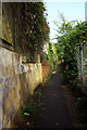 SU8345 : Footpath from Weydon Lane by Derek Harper