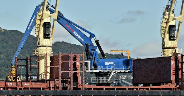 Mantsinen 300 crane, Belfast harbour (August 2019)