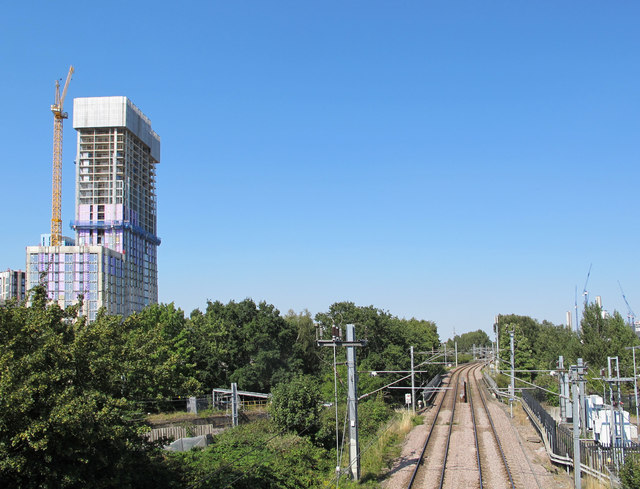 31 storey student residence by London Overground, Acton