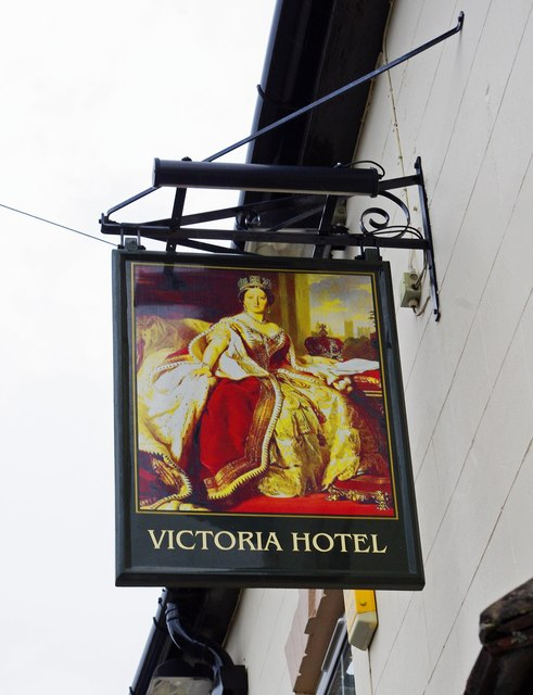 The former Victoria Hotel (2) - sign, 60 Newlands, Pershore, Worcs