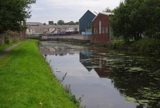 Leeds & Liverpool Canal, Church