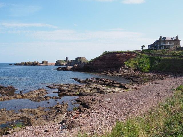 Looking towards Dunbar Harbour Mouth