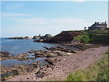NT6779 : Looking towards Dunbar Harbour Mouth by Jennifer Petrie