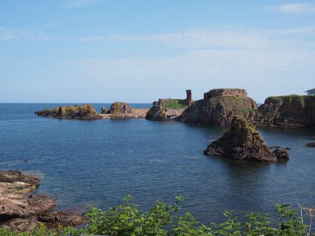 The Doo Rock and Dunbar Castle