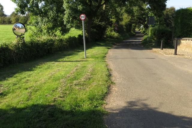 Brockhall Lane heading north