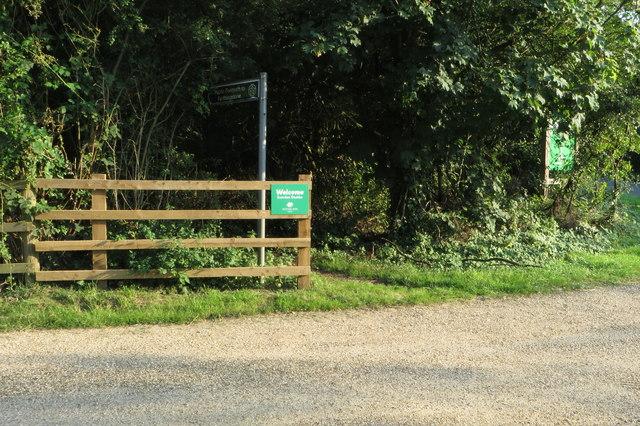 Footpath to Heath Farm