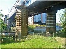 NS5566 : Glasgow bridges [6] by Michael Dibb