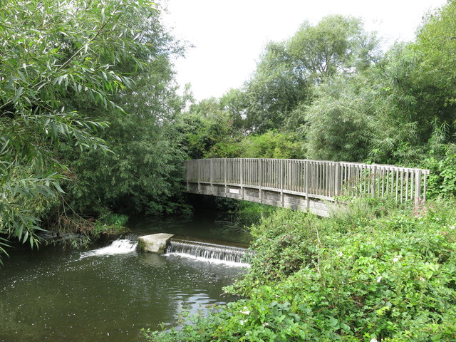 Footbridge and weir on the River Colne